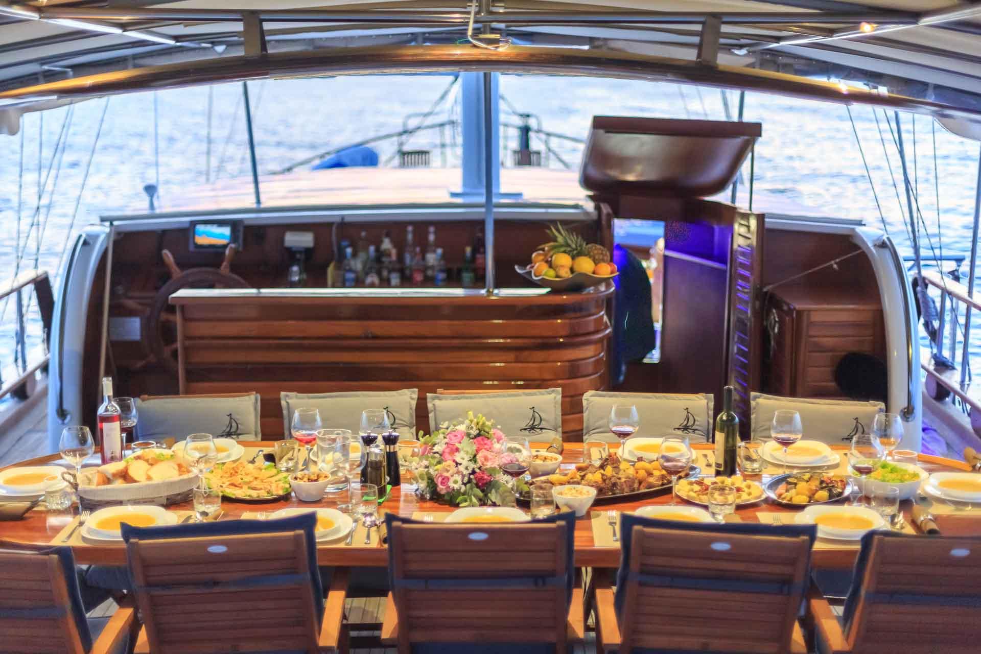gastronomic gulet cruises