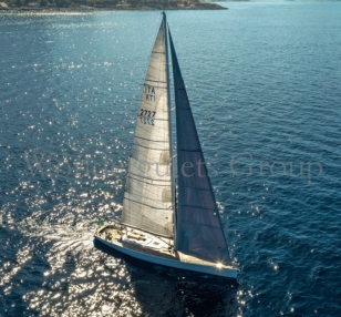 Crewed Sailing Yacht 27mt cruising Italy